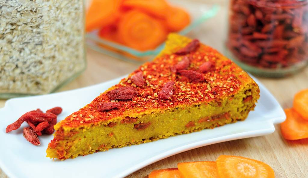 Carrot cake with goji berries