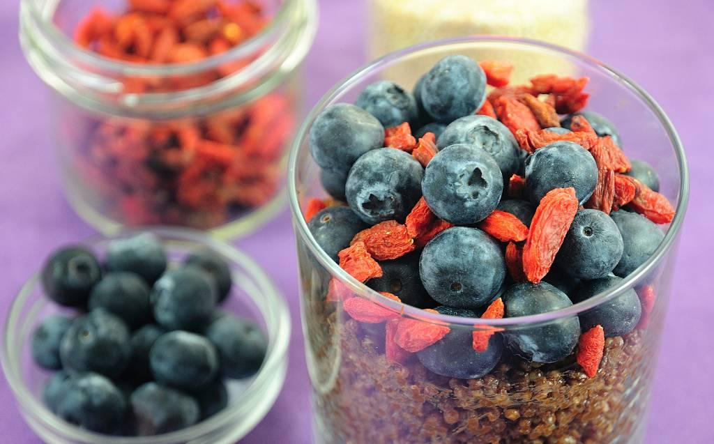 Čokoládová quinoa s borůvkami