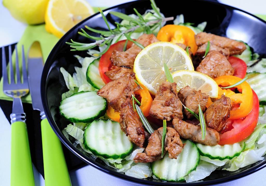 Krůtí salát s rozmarýnem