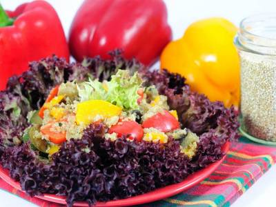 Pikantní salát s quinoou