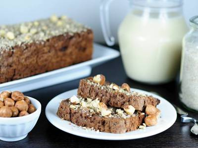 Buckwheat gingerbread with nuts