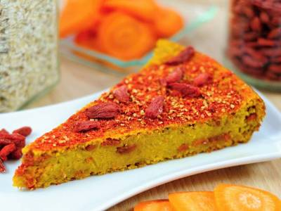 Carrot cake with goji berries