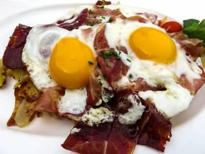 Smažená vejce se slaninou