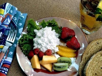 Ovocný talíř se sýrem