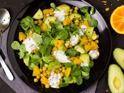 Sladký cizrnový salát