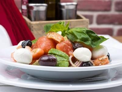 Italský salát s lososem