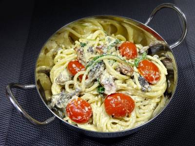 Špagety s mořskými plody a smetanovou omáčkou