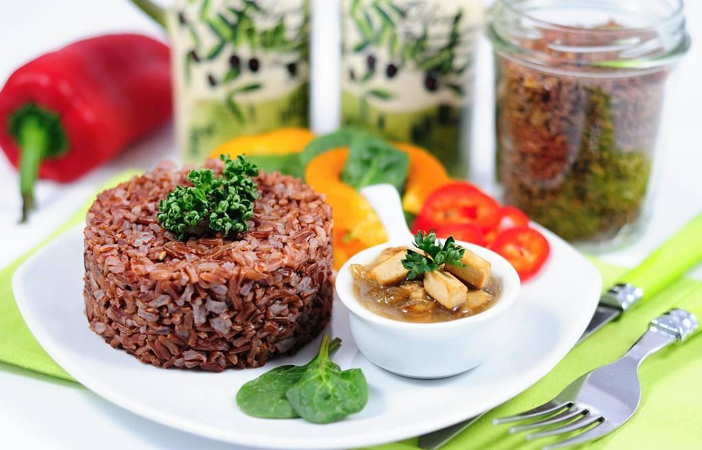 Tofu s červenou rýží